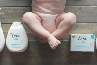 3 reasons why it's a bad idea to skip your baby's bath